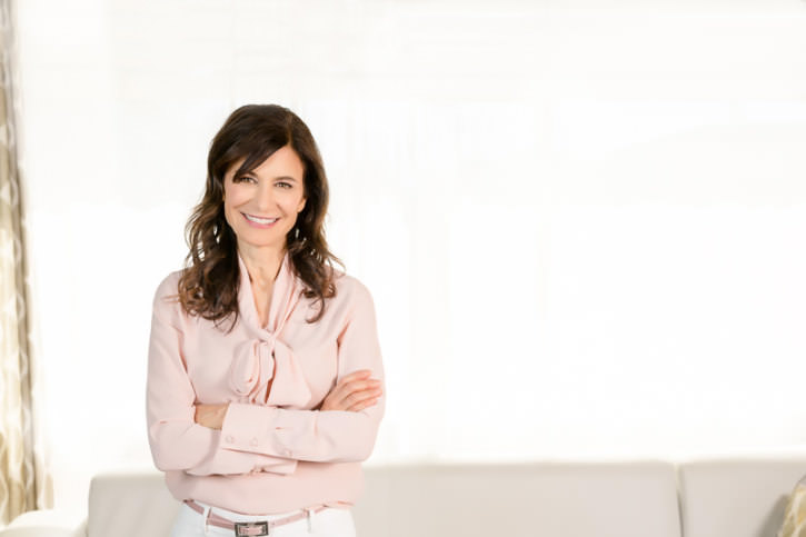 Donna Gallant white backdrop, Personal Branding Shoot